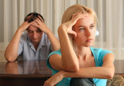 Come aiutare un partner ansioso (e aiutarsi)